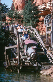 Frontierland Big Thunder Mountain Achterbahn